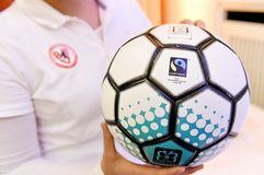 Fairtrade, Projekt Landessportbund und Berliner Fußball-Verband, fairer Handel, Fußbälle