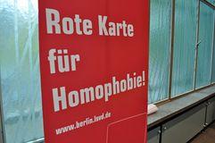 Rote Karte für Homophobie