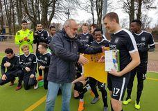 Verleihung der Fairplay-Geste November 2018 an Robin Claus vom 1. FC Afrisko; Foto: 1. FC Afrisko