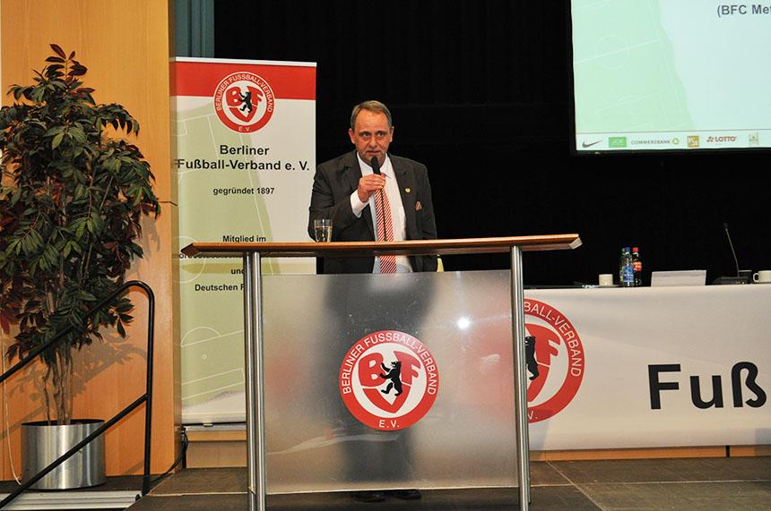 Bernhard Wölfl beim BFV-Verbandstag 2013, auf dem er gewählt wurde. Foto: Franziska Rein