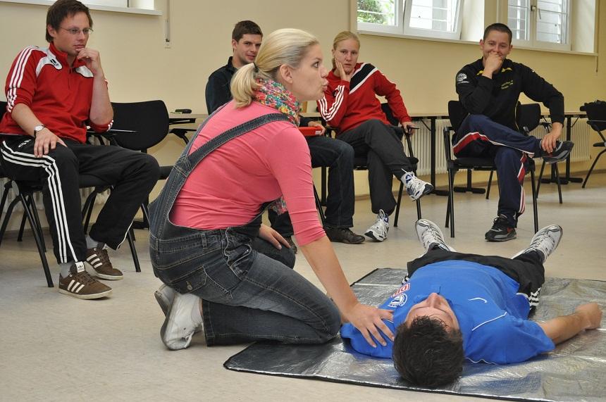Erste Hilfe Kurs Ist Voraussetzung Fur Trainerausbildung ǀ