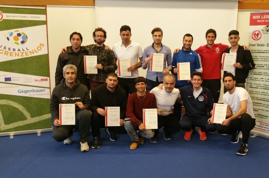 Alle Teilnehmer möchten in Zukunft Kinder oder Erwachsene im Fußball trainieren. Foto: Karlos El-Khatib