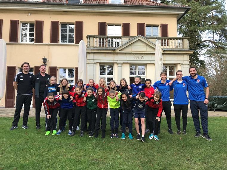 1 Dfb Stützpunkt Sichtungslehrgang Für Mädchen ǀ Berliner Fußball